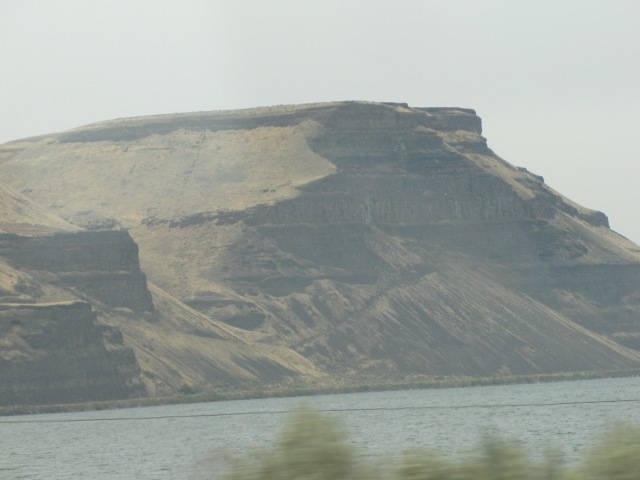 Rock formation along Columbia River Highway and Lake Wallula