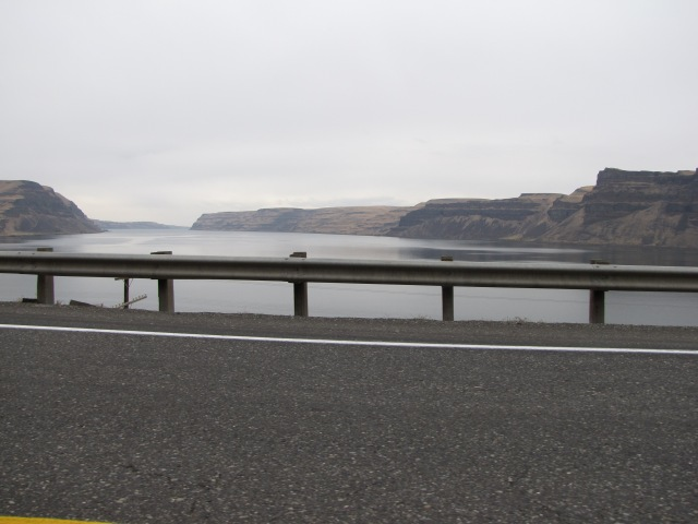 Shortly after crossing into Washington - Highway 730