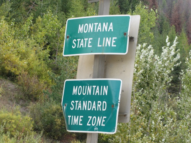 Whoo hoo!  Montana state line!  Time is now really 11:22 a.m. Mountain time